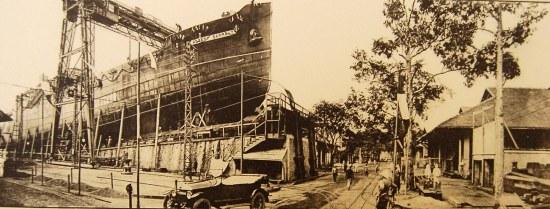 Xưởng đóng tàu ở Sài Gòn.