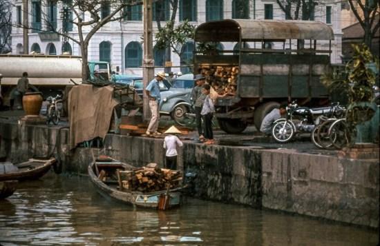 Bến Bạch Đằng, Sài Gòn thập niên 1960.