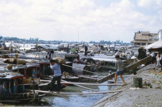 Bến Ninh Kiều, đoạn sau chợ Cần Thơ.