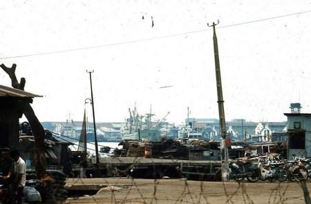Khu vực cảng Sài Gòn.