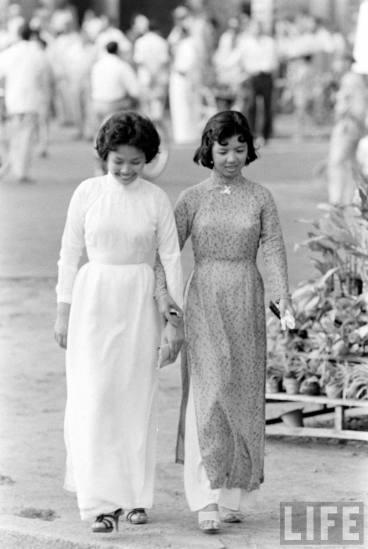 Redsvn-Ao-dai-Sai-Gon-1961-07