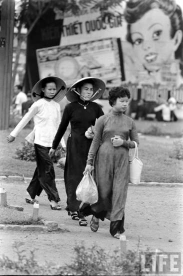 Redsvn-Ao-dai-Sai-Gon-1961-09