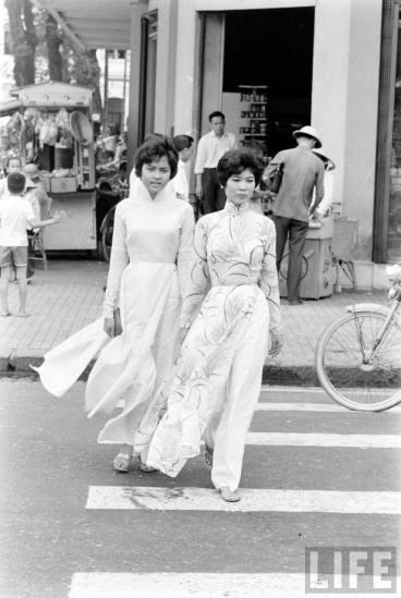 Redsvn-Ao-dai-Sai-Gon-1961-12