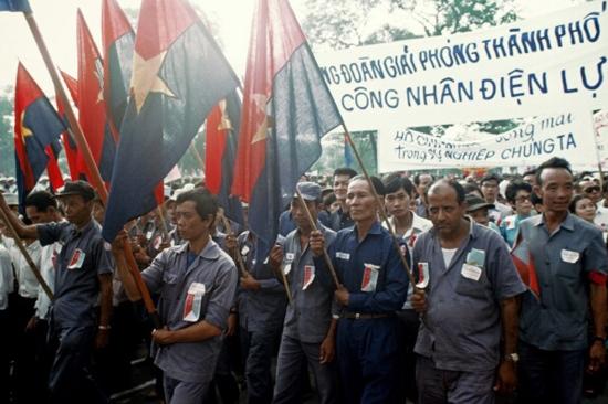 Đoàn đại biểu công nhân điện lực.