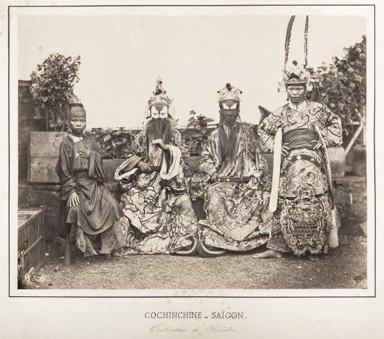 Các nghệ sĩ tuồng ở Sài Gòn năm 1866.
