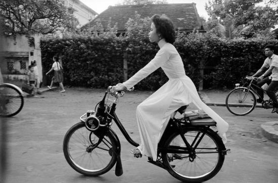 Một tiểu thư nhà giàu ở Sài Gòn, 1963.