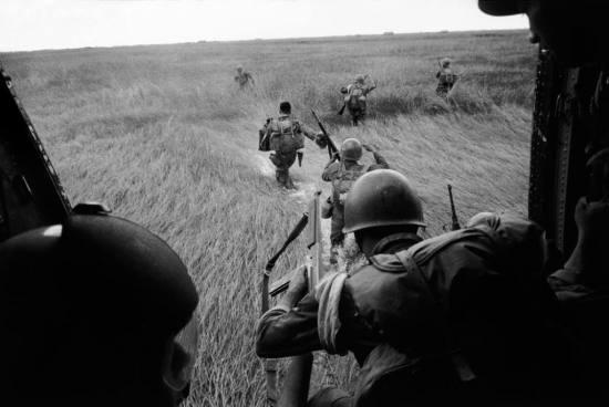 Binh lính VNCH đổ bộ và sẵn sàng chiến đấu, 1963.