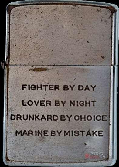 """Ý chí chiến đấu của lính Mỹ được thể hiện khá cô đọng: """"Đánh nhau ban ngày. Làm tình ban đêm. Say mèm là sự lựa chọn. Vào thủy quân lục chiến là sai lầm""""."""