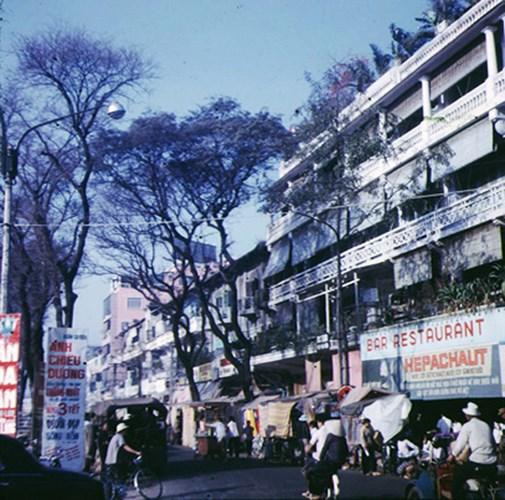 Đại lộ Lê Lợi cạnh góc Lê Lợi - Nguyễn Trung Trực.