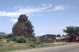 018.Tháp Chàm