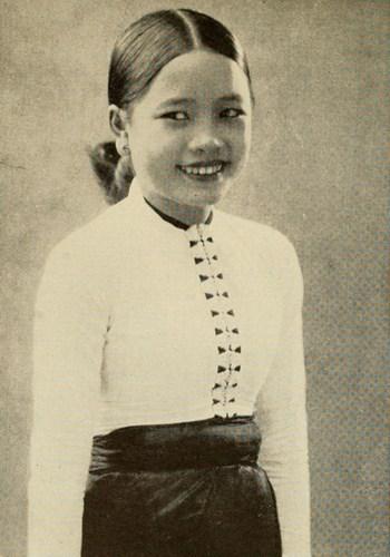 Thiếu nữ Thái Trắng ở vùng núi phía Bắc Việt Nam.