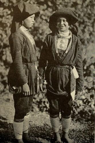 Phụ nữ người Dao ở Hòa Bình.