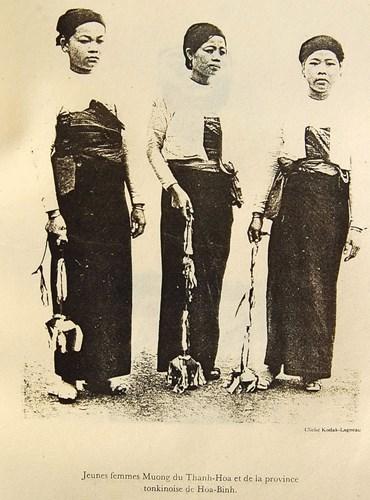 Phụ nữ dân tộc Mường ở Thanh Hóa.