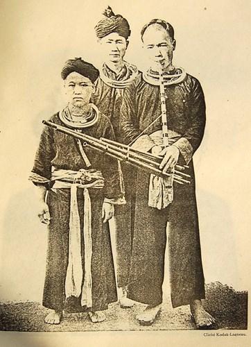 Nam giới dân tộc H'Mông.