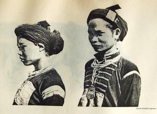 Phụ nữ Ê Đê (trái) và phụ nữ Gia Rai (phải).