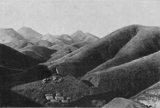 Đồi núi ở Lạng Sơn, khu vực biên giới Việt - Trung.