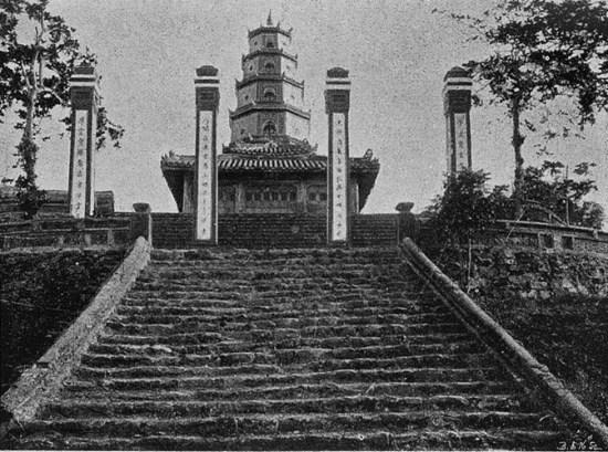 Chùa Thiên Mụ ở Huế.