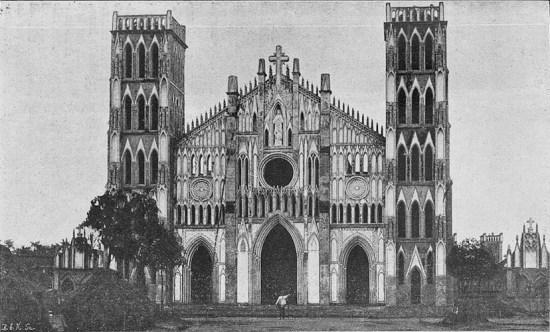 Nhà thờ Kẻ Sở, nay là nhà thờ Sở Kiện gần Phủ Lý, Hà Nam. Hình ảnh nằm trong trong loạt ảnh Việt Nam thời thuộc địa trích từ một ấn phẩm của Pháp xuất bản năm 1900, được giới thiệu trên trang Gallica.bnf.fr.