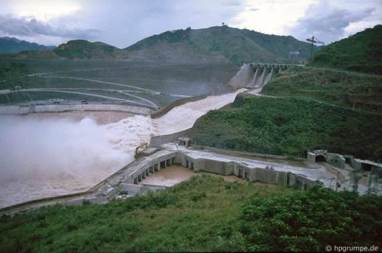 Hòa Bình-Đập thủy điện Sông Đà