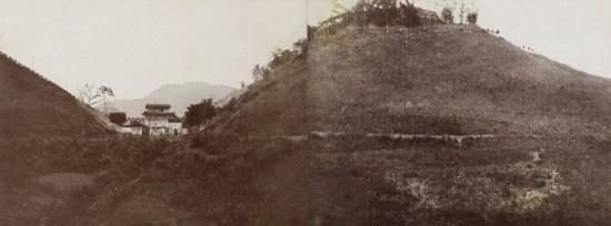 Theo chính sử nhà Nguyễn, Ải Nam Quan cách tỉnh thành (Lạng Sơn) dặm về phía Bắc, thuộc châu Văn Uyên, phía bắc giáp châu Bằng Tường tỉnh Quảng Tây nước Thanh. Ảnh: Địa hình quanh Ải Nam Quan.