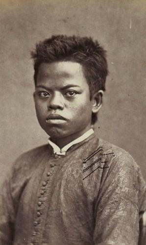 Một cậu bé quý tộc Campuchia.