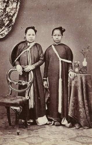 Hai cô gái An Nam.