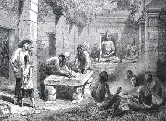 Tiến sĩ Harmand đóng dấu lên các văn bản tại Wat Phou, quần thể đền tháp cổ của người Khmer ở Nam Lào.