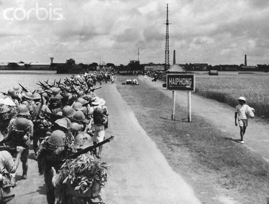 Quân nhật tiến vào Hải Phòng thế chân quân Pháp, ngày 24/11/1940.
