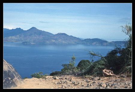 Chú thích của Steve Brown trên Flickr cá nhân của mình về bức ảnh: Một khung cảnh khác nhìn từ núi Khỉ.
