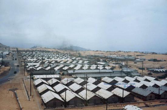 Các trại lính trong căn cứ.