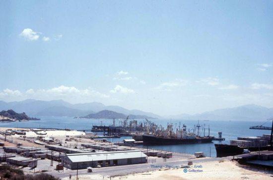 Khu cảng hàng hóa.
