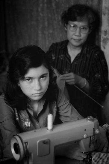 Loan Anh, một cô bé có cha là người Mỹ ở bên mẹ là bà Hồ Thị Thu. Dù bây hiện tại sống ở Bến Tre, nhưng Loan Anh được sinh ra ở Đà Lạt, nơi mẹ em làm giáo viên thời kỳ chiến tranh Việt Nam. Hiện giờ bà Thu làm nghề thợ may, và bà đã dạy nghề này cho con gái mình. Ngoài việc học nghề, Loan Anh đang bận rộn học tiếng Anh để chờ cơ hội sang Mỹ sinh sống.