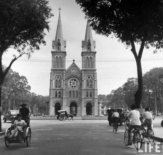 Nhà thờ Đức Bà, Sài Gòn.