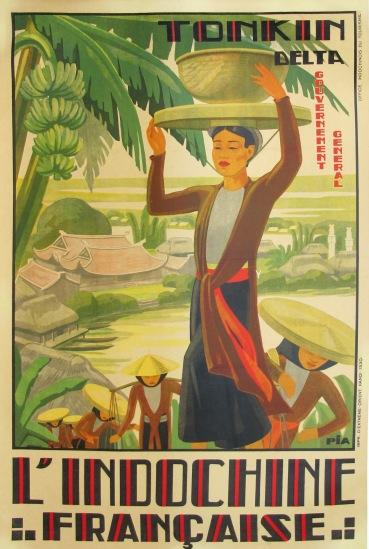 Khung cảnh đồng bằng sông Hồng hiện lên cùng những cô thôn nữ gánh gạo - sản vật nổi tiếng với chất lượng cao ở vùng đất này.
