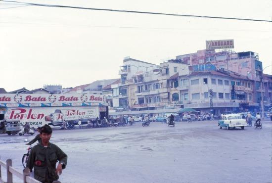 Góc bên phải của chợ Bến Thành.