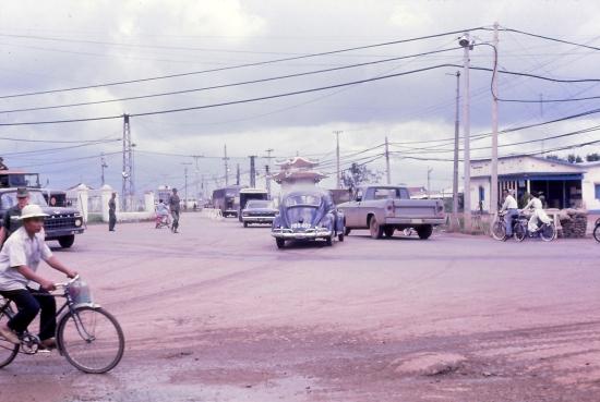 Đường vào sân bay Tân Sơn Nhất.