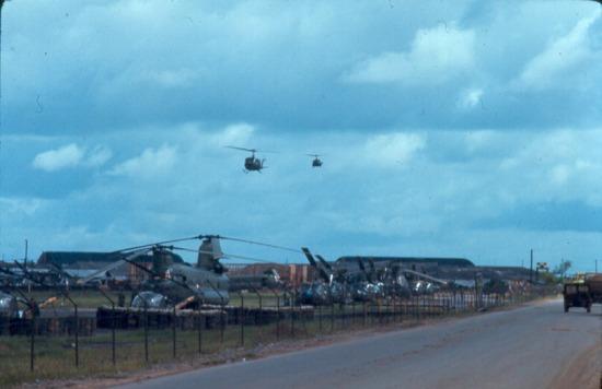 Căn cứ trực thăng quân sự của Mỹ tại Tân Sơn Nhất.