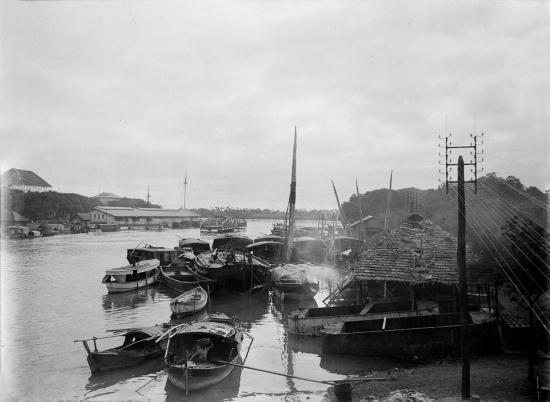 Rạch Bến Nghé, Sài Gòn năm 1904.