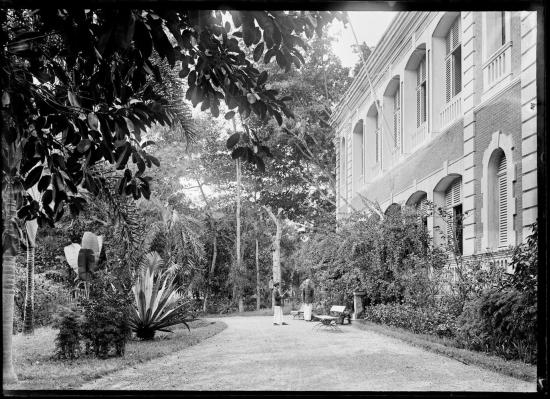 Một khách sạn ở Sài Gòn, 1895.