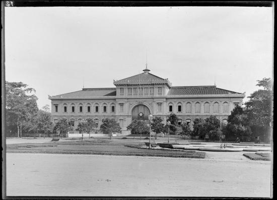 Tòa nhà bưu điện Sài Gòn, 1895.