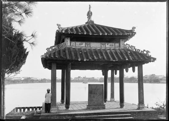 Đình Trấn Ba, một công trình trong đền Ngọc Sơn, 1896.