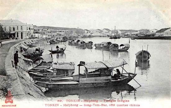 Dòng sông Tam Bạc.