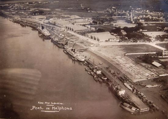 Cảng Hải Phòng nhìn từ không trung.