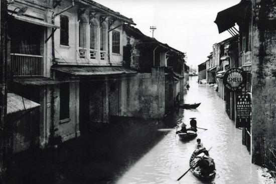 Hội An trong trận lụt lớn năm 1950.