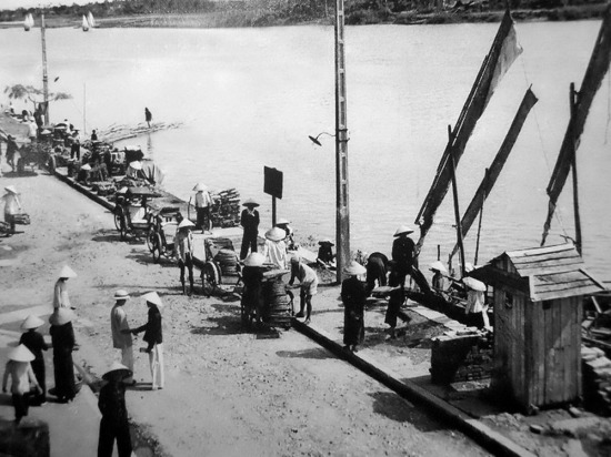 Đường Bạch Đằng và sông Cẩm An.