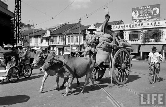 Đây vốn là một thành phố riêng biệt với Sài Gòn. Từ những đầu thập niên 1930, Sài Gòn và Chợ Lớn mới dần dần sáp nhập vào nhau do quá trình đô thị hóa.