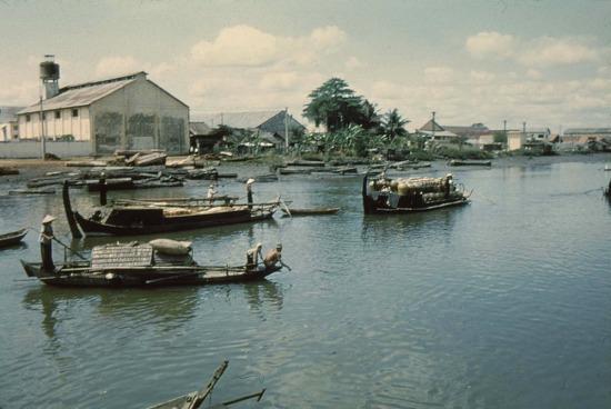 Kênh rạch ở Sài Gòn.