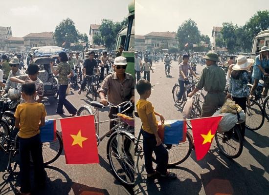 Những lá cờ của chính quyền mới được người dân bán trên khắp các tuyến phố.