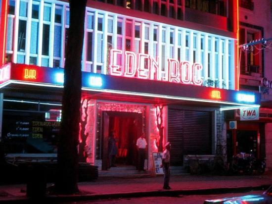 Khách sạn - quán bar Eden Roc.