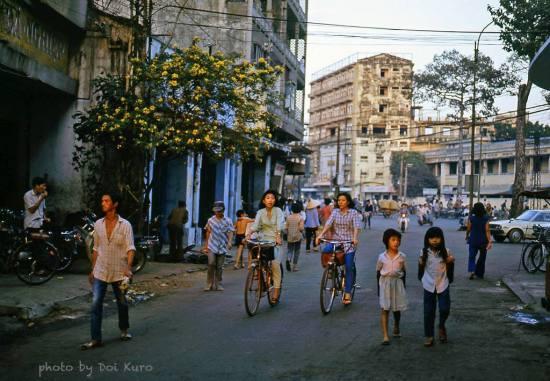 Ngã ba Bùi Viện - Trần Hưng Đạo, 1989.